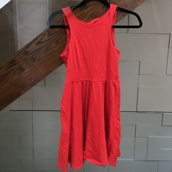 High neck stretchy red dress
